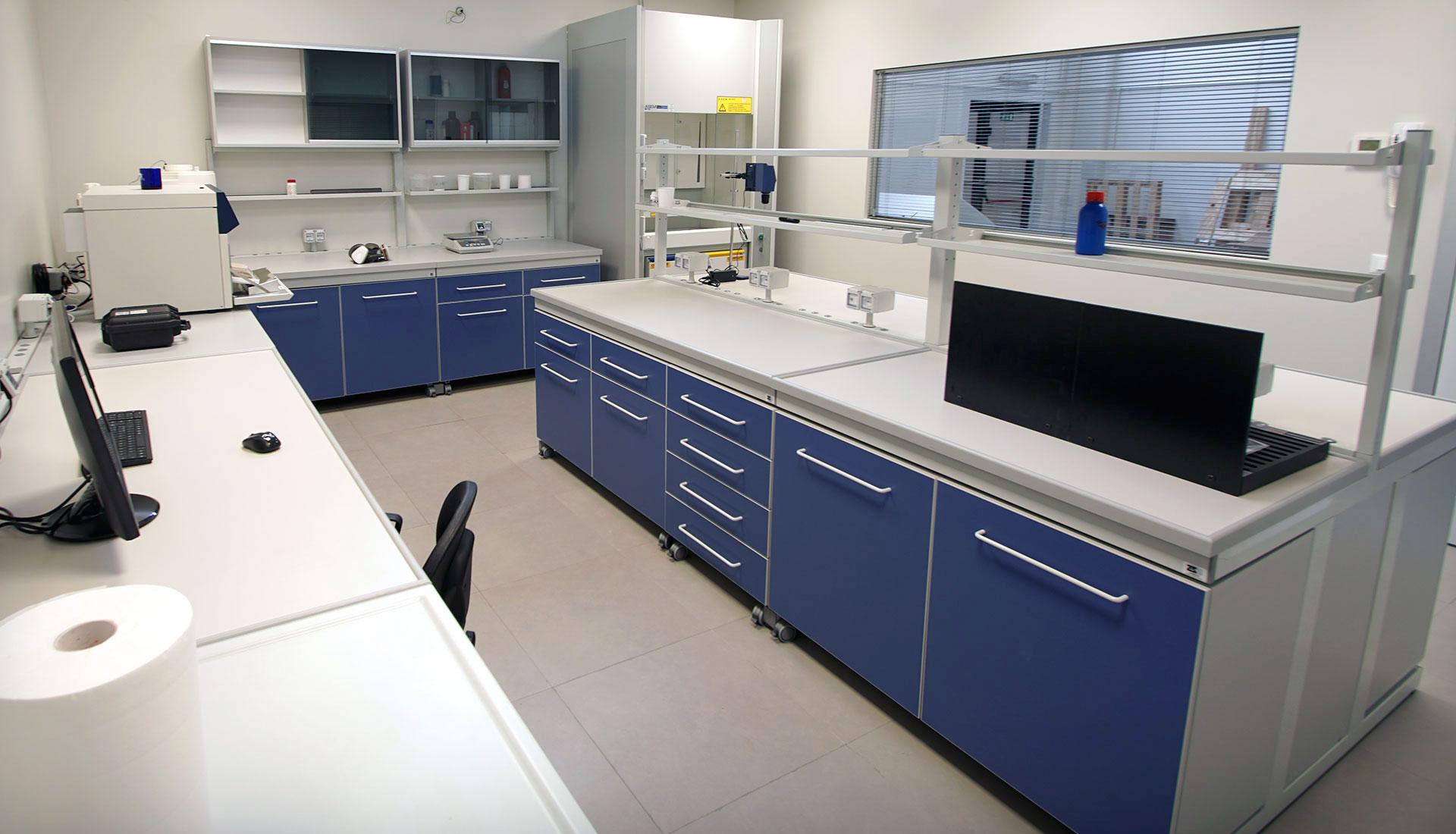Prodotti per pulizia e protezione delle superfici cpsystem srl